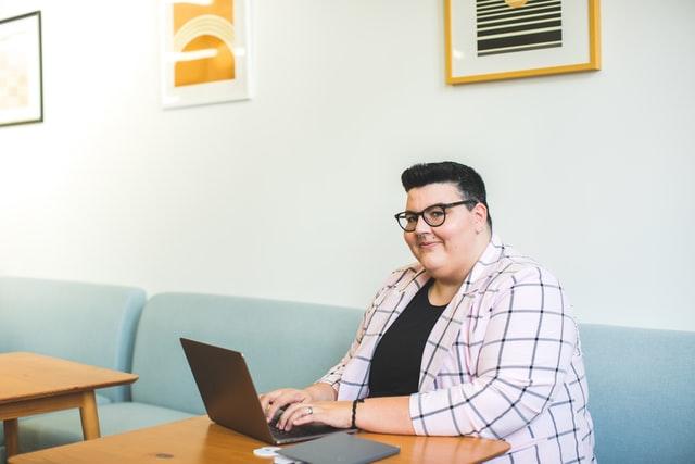 太った男性の写真